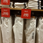 Uniqlo Men Slim Fit Straight or Skinny Fit Tapered Jeans White $9.90 (Sold out Online, Check in-store)
