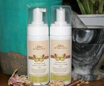 Free Green Tea & Olive Leaf Extract Conditioning Spray w/Every Flea Repellent Shampoo: $18 (Save $15) + Post @ Fur Legged Family