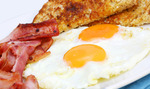FREE Bacon & Eggs Breakfast at Santino's Restaurant in Surfers Paradise!